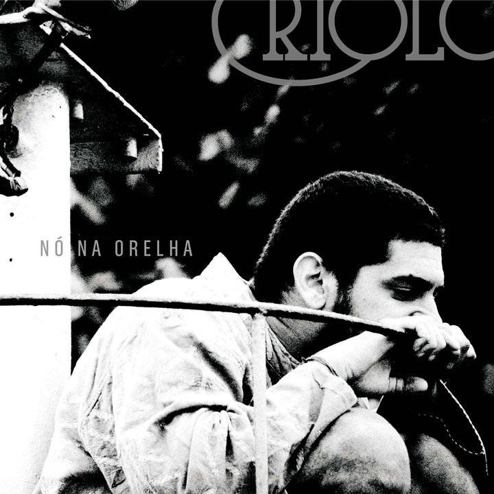 Capa do CD 'Nó na orelha', do Criolo